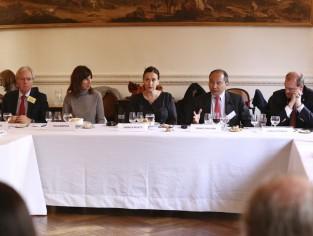 Francis Fukuyama en un almuerzo de RAP